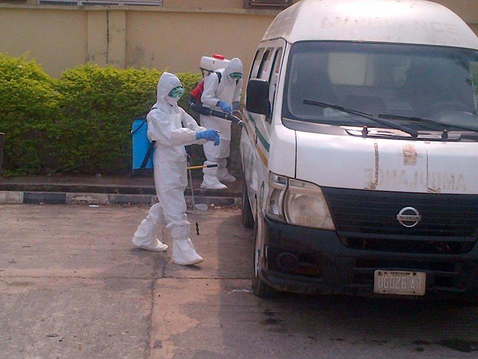 OGUN STATE LASSA FEVER DECONTAMINATION TEAM AT WORK.